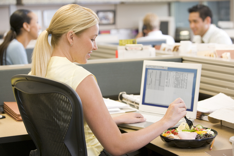 10 Ways to Improve Your Eating Habits at Work